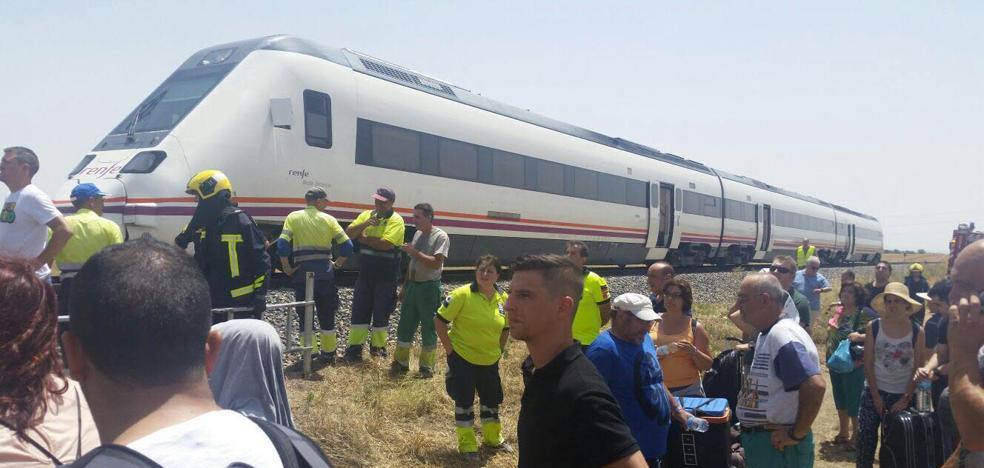 Todos los municipios extremeños pondrán autobuses para ir a la manifestación por el tren