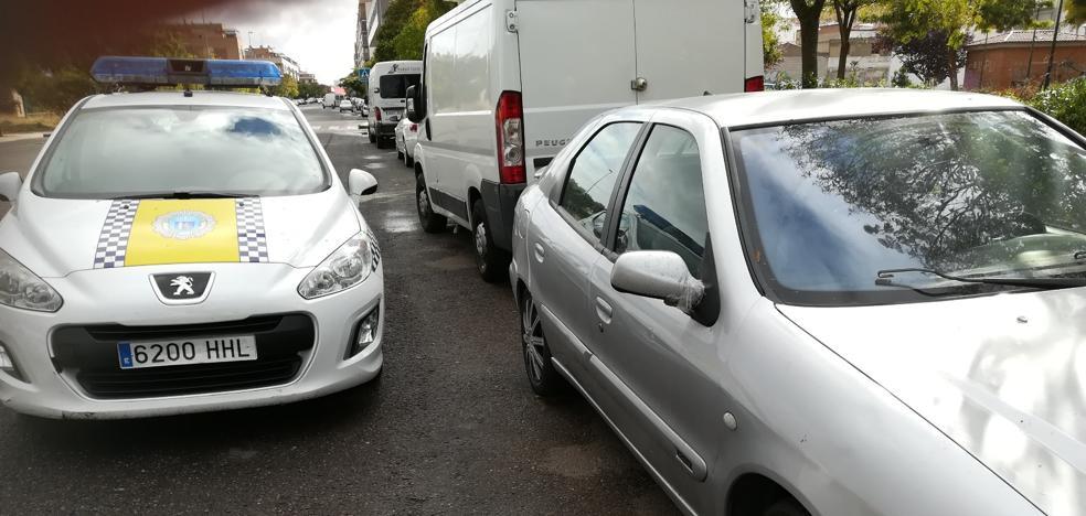 La Policía Local de Badajoz recupera en San Roque un coche robado