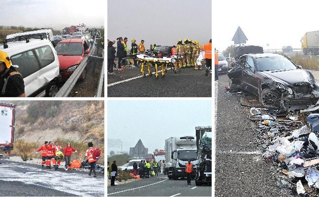 Un fallecido y dos heridos graves en un accidente múltiple con 36 vehículos en Galisteo
