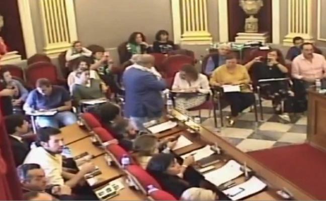 Fragoso expulsa a Borruel del Pleno