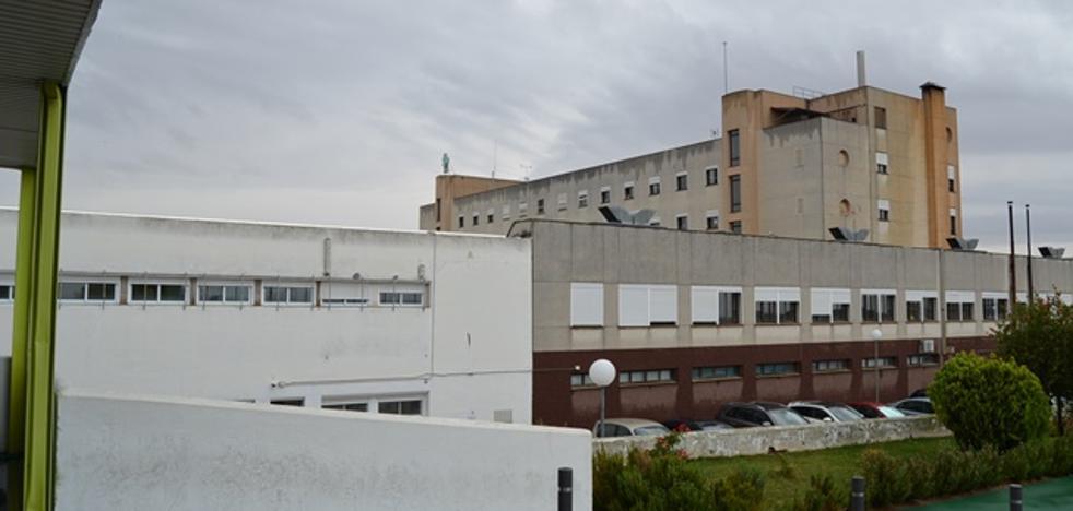 El gobierno local de Villanueva culpa al Ejecutivo de Monago del retraso del nuevo hospital