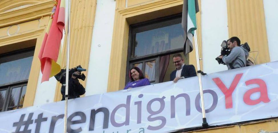 Mérida ofrece un mínimo de 7 autobuses para acudir a la manifestación por un '#trendignoYa'