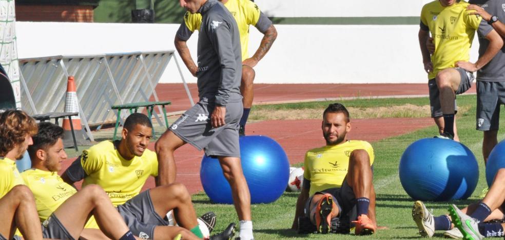 Iván Ania: «Necesitamos que los delanteros hagan gol»