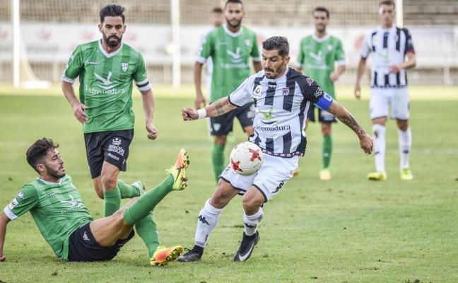 El Badajoz despega por coraje