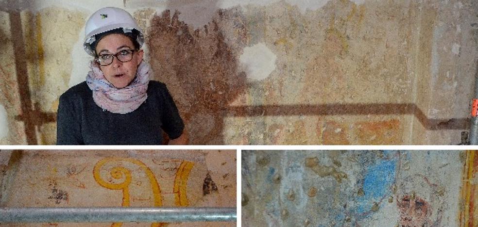 Salen a la luz varios murales del siglo XV en las obras de la Alcazaba