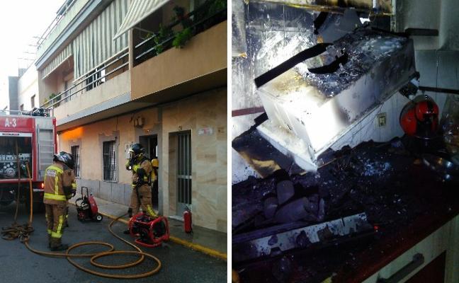 Dos afectados por inhalación de humo en un incendio en Badajoz