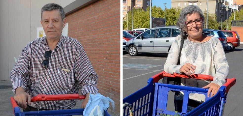 Los extremeños llenan el carro pensando más en el precio que en el boicot