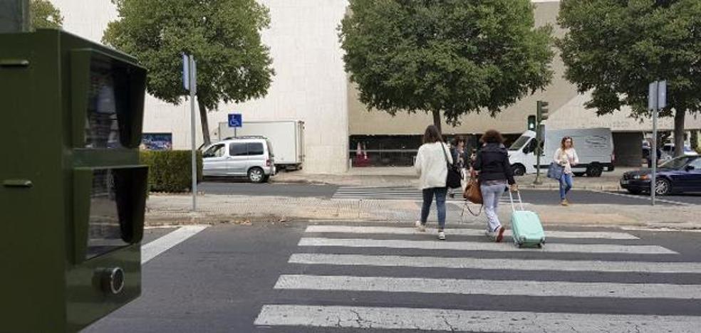 Los técnicos desaconsejan los pasos de peatones elevados en la avenida de la Hispanidad