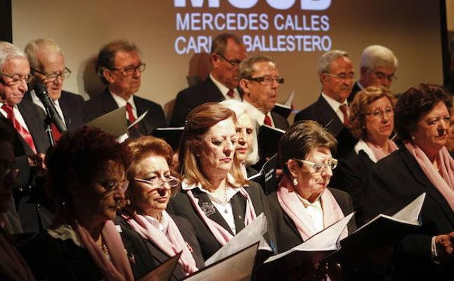 Concierto de la Coral Santa María de la Montaña en el Ateneo de Cáceres