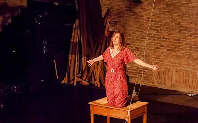 El López acoge la adaptación teatral de la novela extremeña 'La voz dormida'