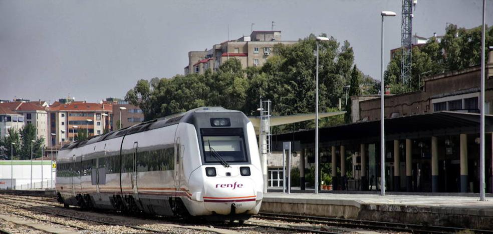 Una nueva avería en un tren de Cáceres obliga a Renfe a trasladar a 15 viajeros en taxi