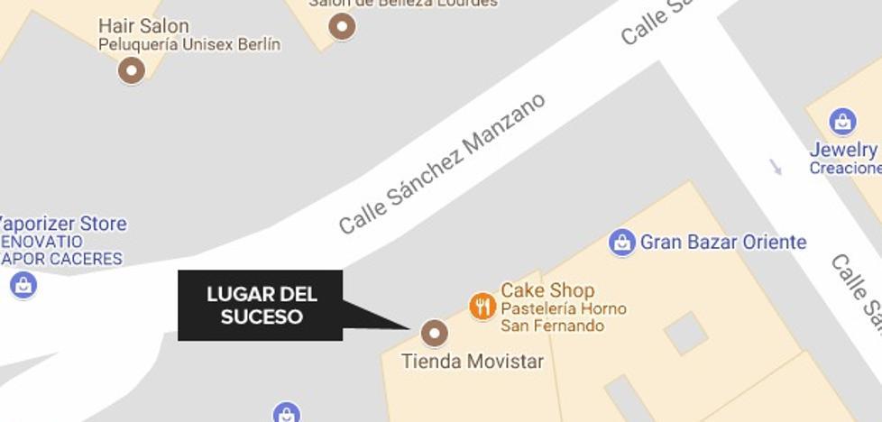 Tres detenidos tras intentar robar en una tienda de telefonía de Cáceres
