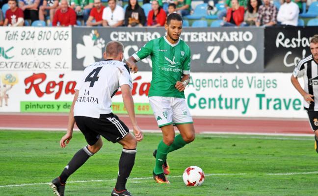 El Villanovense busca el gol ante el líder