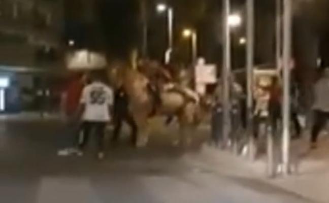 A prisión por intentar entrar en un bar a caballo