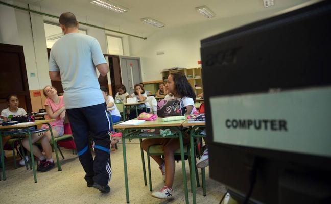 PIDE cree que el bilingüismo en las aulas «no funciona y es segregador»