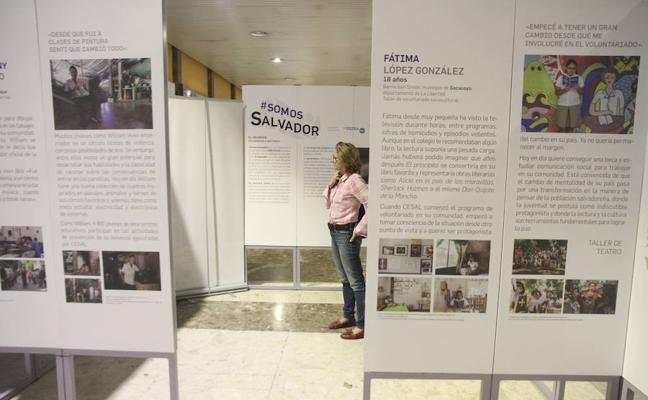 El proyecto #SomosSalvador, en la estación de autobuses