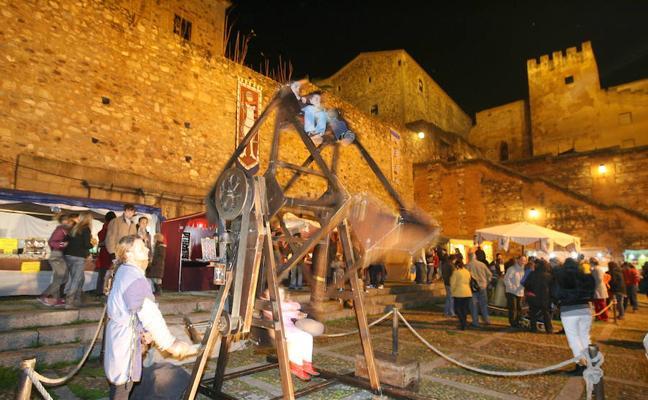 El Mercado Medieval de Cáceres contará por primera vez con degustaciones gratuitas de las tres culturas