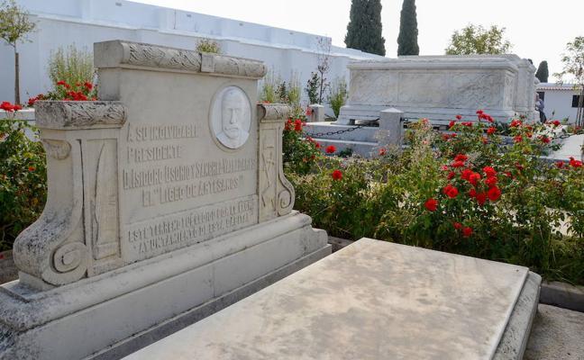 El cementerio civil de Badajoz, descanso de masones