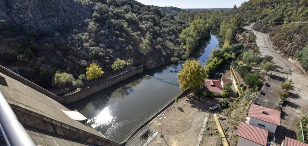 La presa de Villar del Rey acumula agua para al menos dos años más