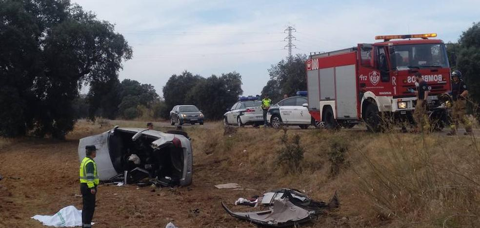 Muere una joven de Olivenza al salirse su coche en la carretera de Valverde