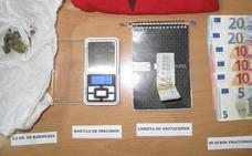 Detenido un vecino de La Pesga acusado de vender droga en zonas de ocio