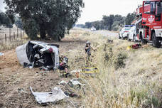 La Guardia Civil investiga las causas del accidente mortal de la carretera de Valverde