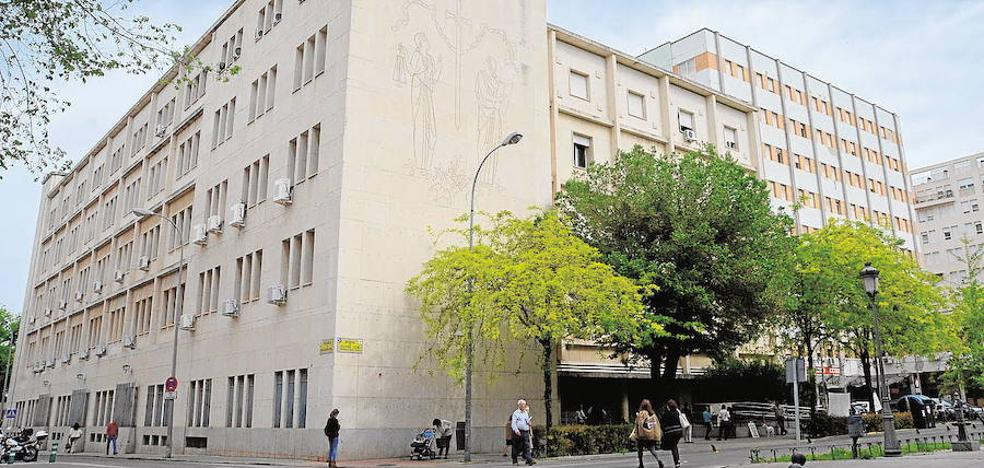 La Audiencia de Badajoz ordena reabrir el caso de las injurias al Ayuntamiento en redes sociales