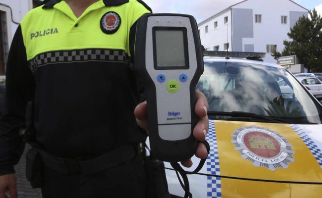 La Policía Local emeritense ya tiene etilómetro para las pruebas de alcoholemia