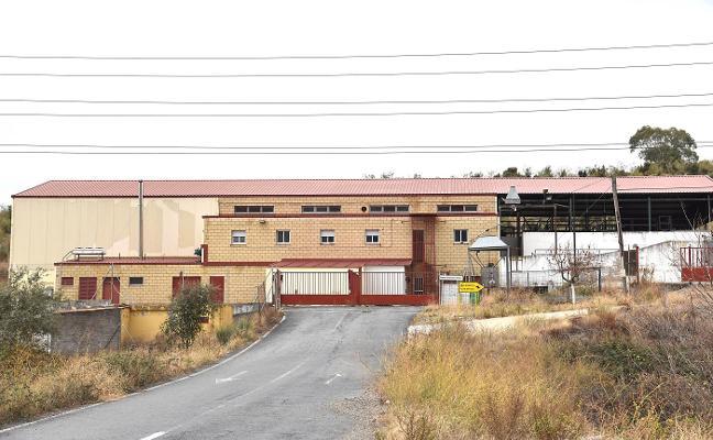El Ayuntamiento de Plasencia reclama el aval del matadero para reformarlo y reabrirlo