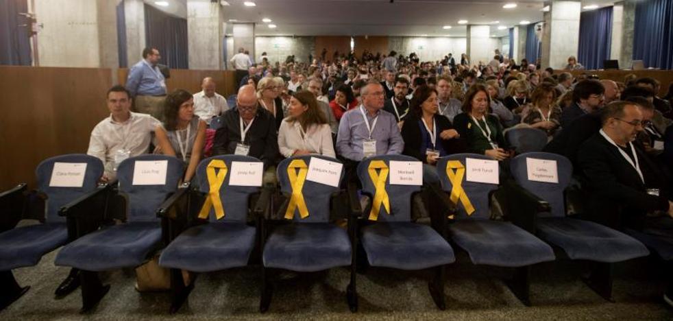 PDeCAT y ERC mantienen a Puigdemont y Junqueras como cabezas de lista para el 21-D