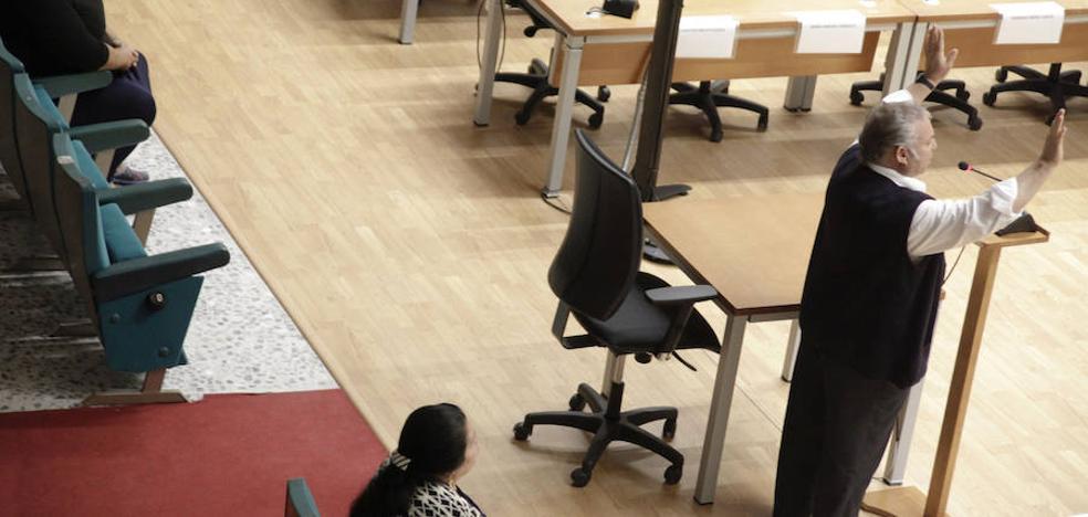 Una mujer sin ingresos asegura desconocer cómo pasaron 270.000 euros por su cuenta