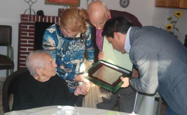 Nicolasa Gallardo cumple 100 años