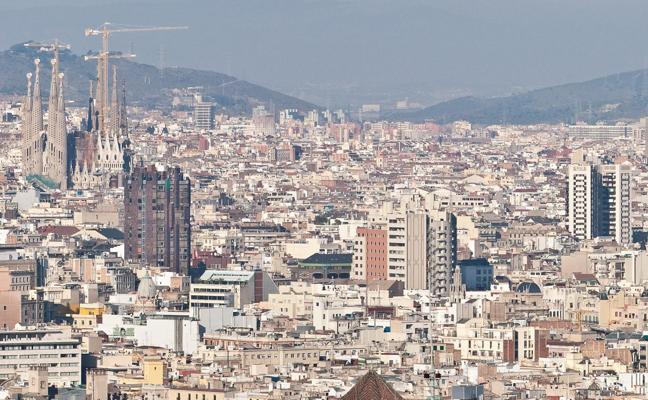 Barcelona sigue en una carrera «muy igualada» por la Agencia del Medicamento