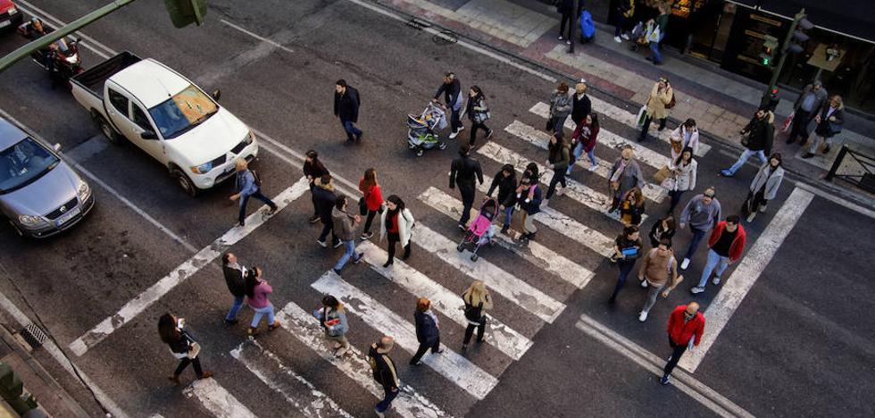 Los técnicos recomiendan ampliar dos metros los pasos de peatones de la zona de la Cruz