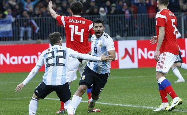 Argentina vence gracias a Agüero pero no convence