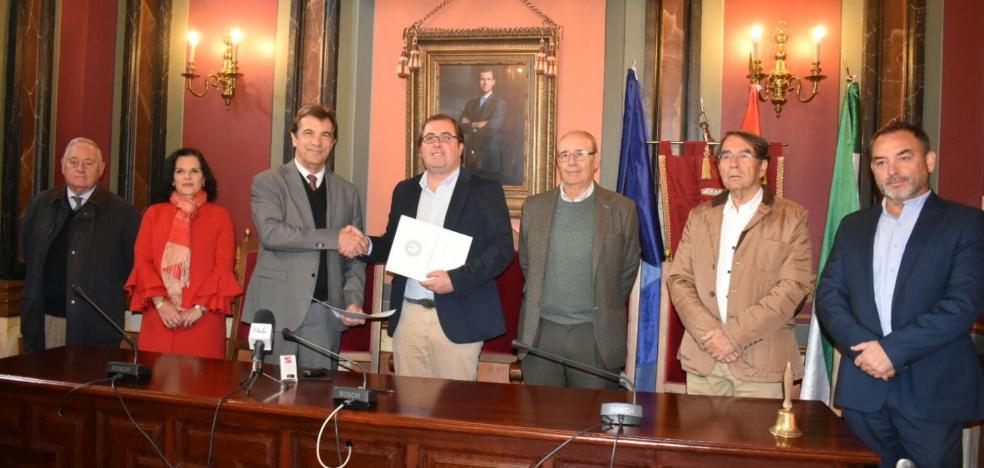 Trujillo 'utilizará' la Academia de las Artes y las Letras para asesoramiento