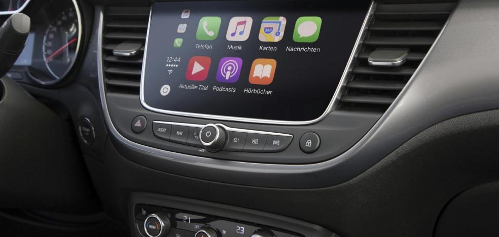 Opel facilita la conectividad del móvil 'manos libres' en todos sus modelos