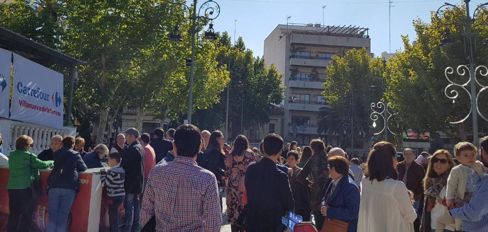 Recaudan más de 3.000 euros en las migas solidarias cofrades de Villanueva