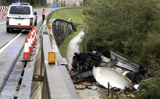 Trece muertos en diez accidentes de tráfico durante el fin de semana