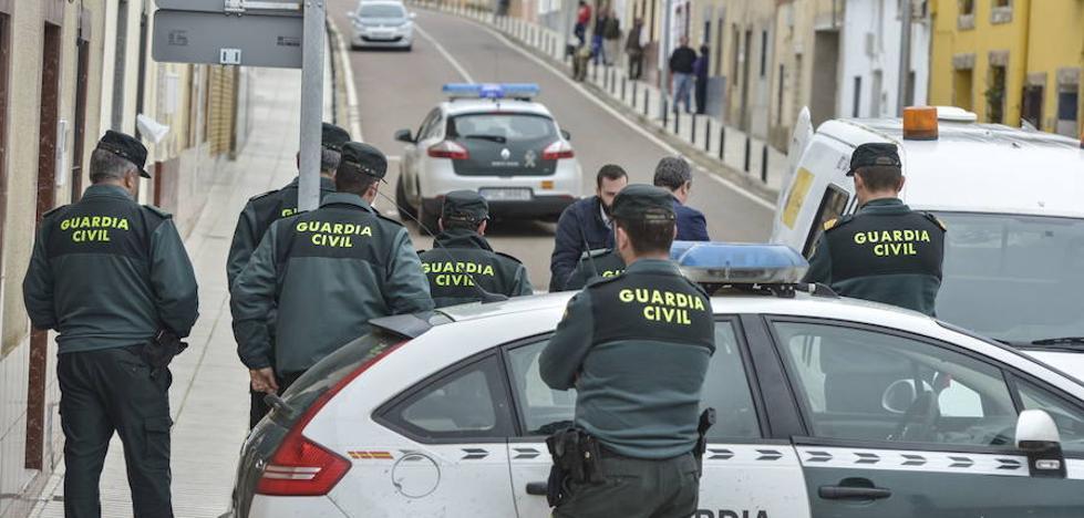 Piden 20 años de cárcel para el acusado de degollar a su vecino en Villar del Rey