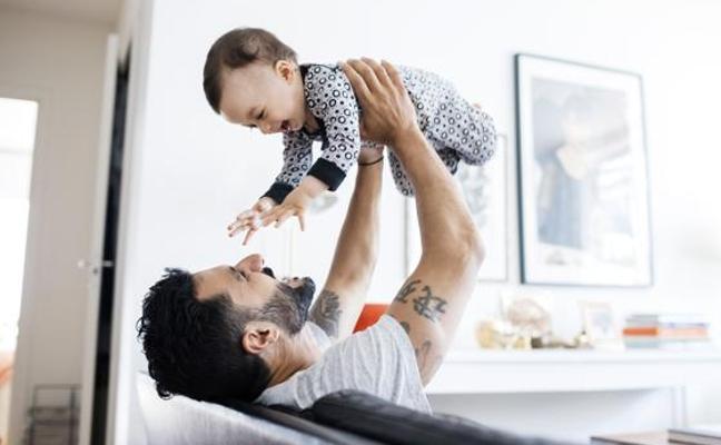 La depresión posparto también es cosa de padres