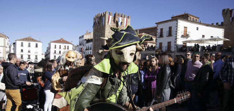 Un paseo por el Mercado Medieval de Cáceres