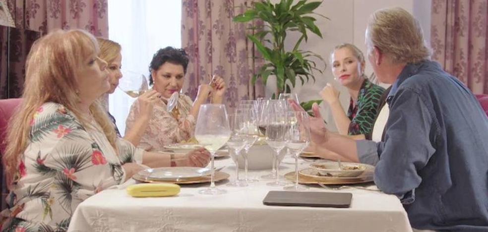 La extremeña Soraya Arnelas, en 'Mi casa es la tuya' acompañando a Pastora Soler