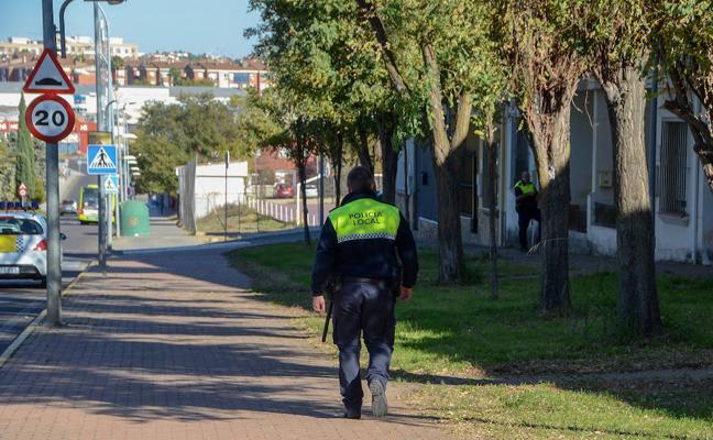 Huye por los tejados tras intentar agredir a su pareja en Badajoz