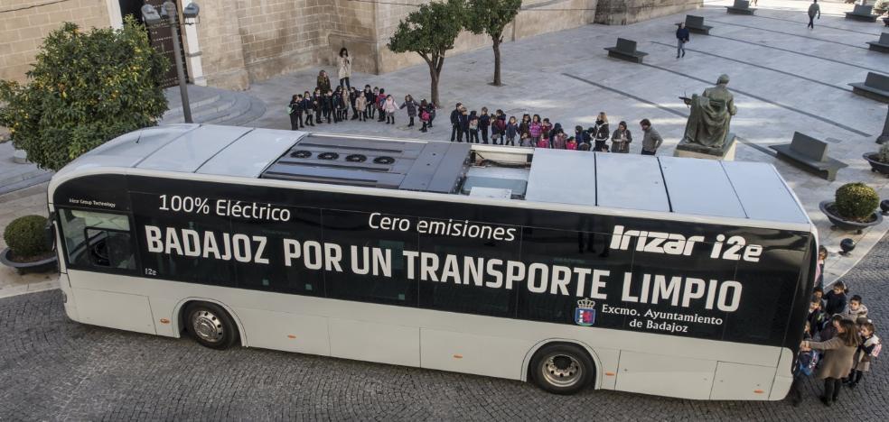 El Ayuntamiento de Badajoz sopesa comprar un autobús eléctrico