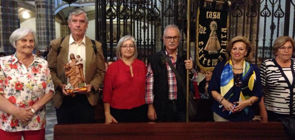 Entrega de la patrona de Cádiz en Guadalupe