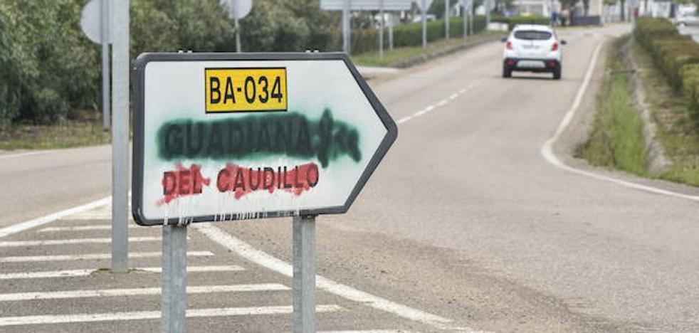 Gallardo da de plazo hasta marzo para que 77 pueblos quiten los recuerdos franquistas