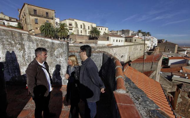 Cáceres invierte 5.400 euros en la señalización informativa de la Ciudad Monumental