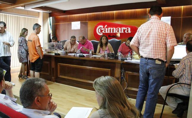 La Junta limitará el voto delegado en las elecciones a las Cámaras de Comercio