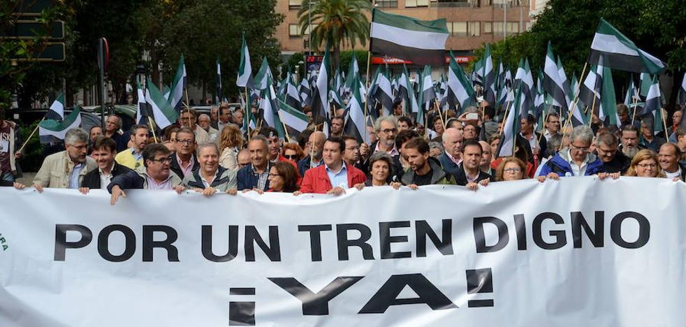 320 autobuses partirán de Extremadura rumbo a la concentración por un tren digno